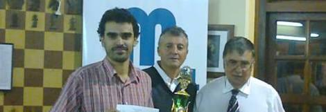 Molina recebendo certificado da Norma de GMd