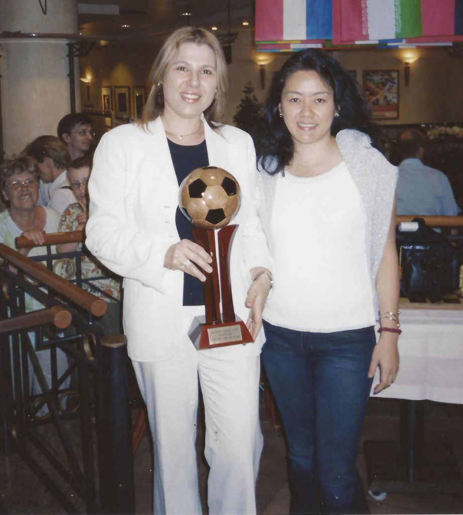 Copa do Mundo de Xadrez Feminino, Dresden, onde consegui (como um troféu) tirar uma foto com a legendária Polgar! A